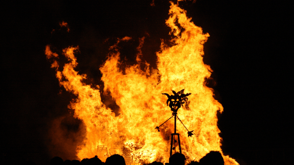 guy fawkes on a bonfire